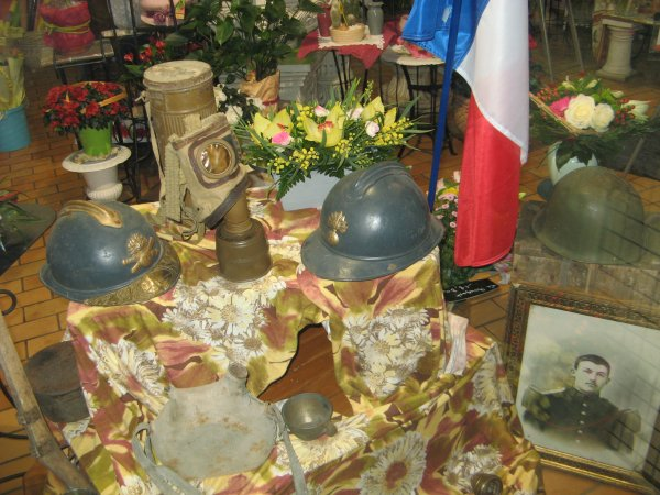 En novembre le Comit de Patay occupe la vitrine chez &quot;Floramine&quot;.